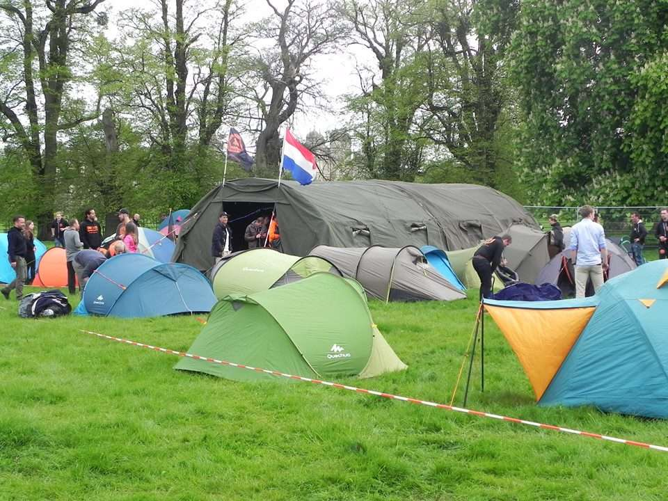 Dutch Mud Men Tent