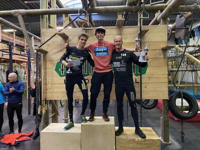Family Fit Indoor Obstacle Course Competitie